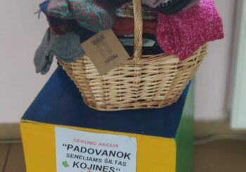 """Gerumo akcija """"Padovanok seneliams šiltas kojines"""""""